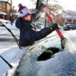 Способы избавления от обледенения стекла в автомобиле